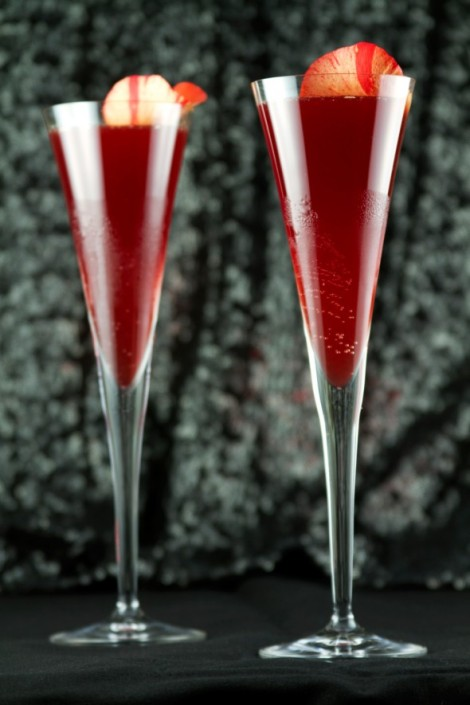 Moet-Chandon-Red-Carpet-Glamour-Cocktail-Recipe-v-590x885